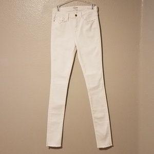 NWOT Frame Forever Karlie Skinny Jeans